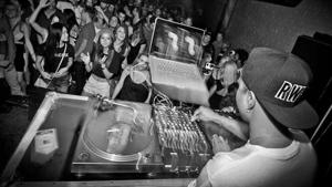 Beat-Drop-Music-Business.jpg