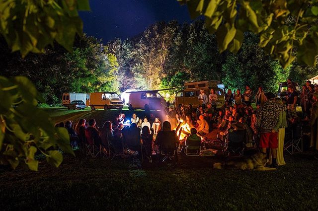 Australian Vanlife Summer @vanlifediaries Gathering Crescent Head Dec 15-17 LINK IN PROFILE 👌🏼📷 by @phasefourphoto we can't wait to see so many of our adventurous community again to share stories from the road & support each other in our journey through life! This is the essence of community for us. Finding a sweet patch of nature to gather together & uplift each other through sharing arts, culture, music, surfing & more! See you there!  #roaradventure sharing creative & adventurous stories that inspire