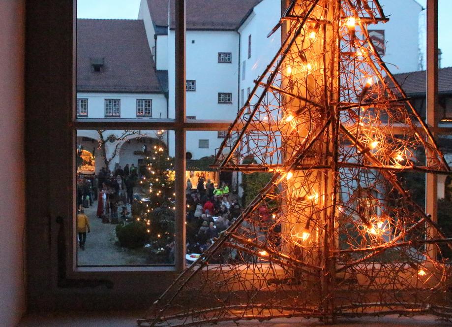 Weihnachtsmarkt 2014 Schloss Kronburg