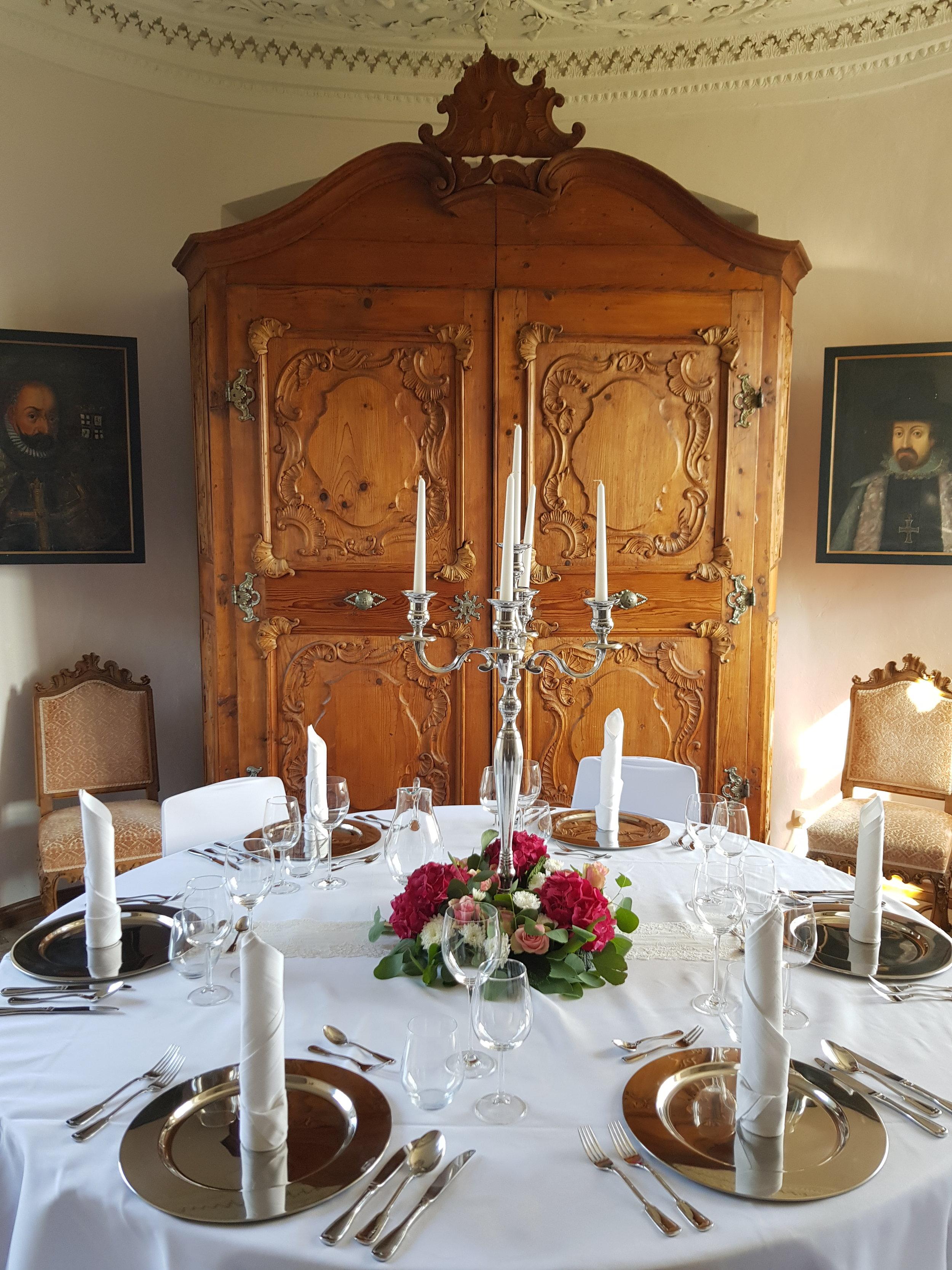 """""""Muster""""-Hochzeitstisch am Tag d. offenen Tür"""