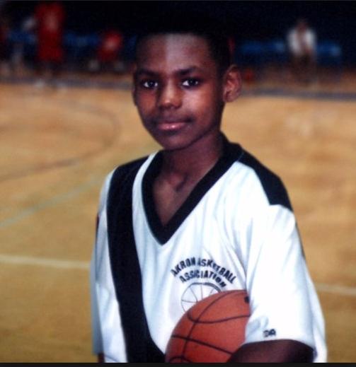 LeBron James Young.PNG