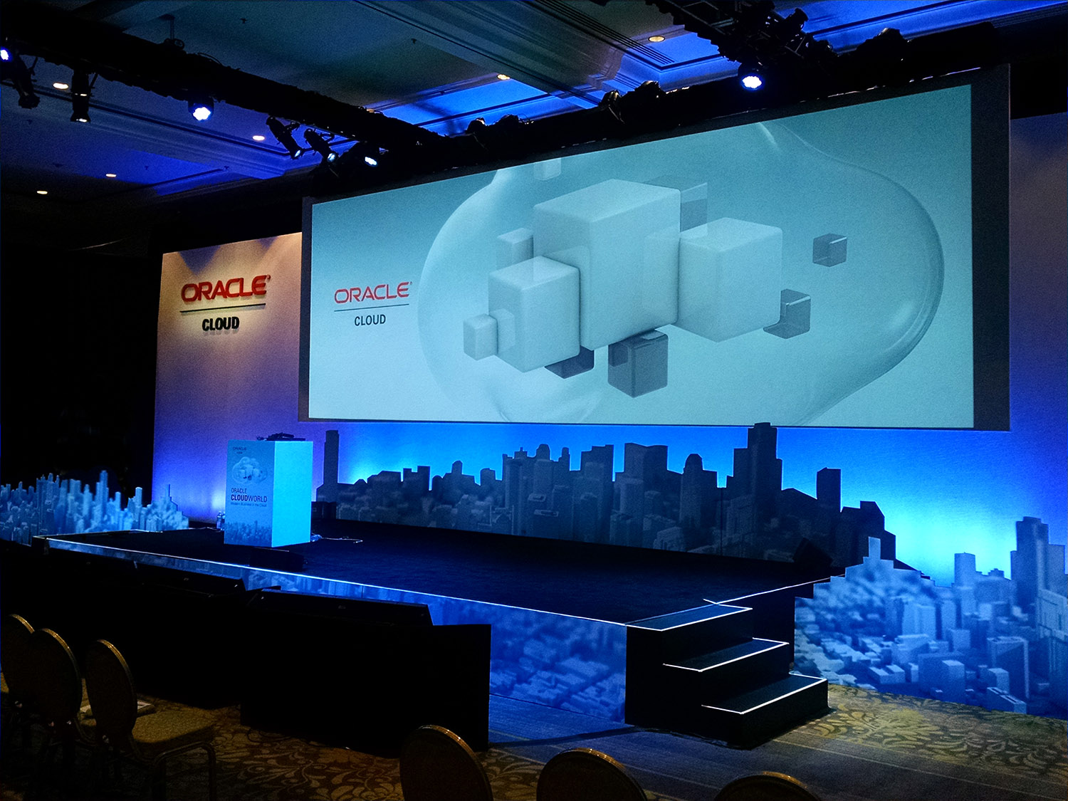 Oracle_cloudworld_stage_detail.jpg