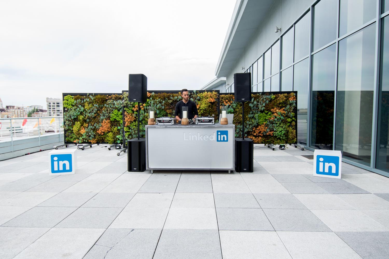 LinkedIn_globar.jpg