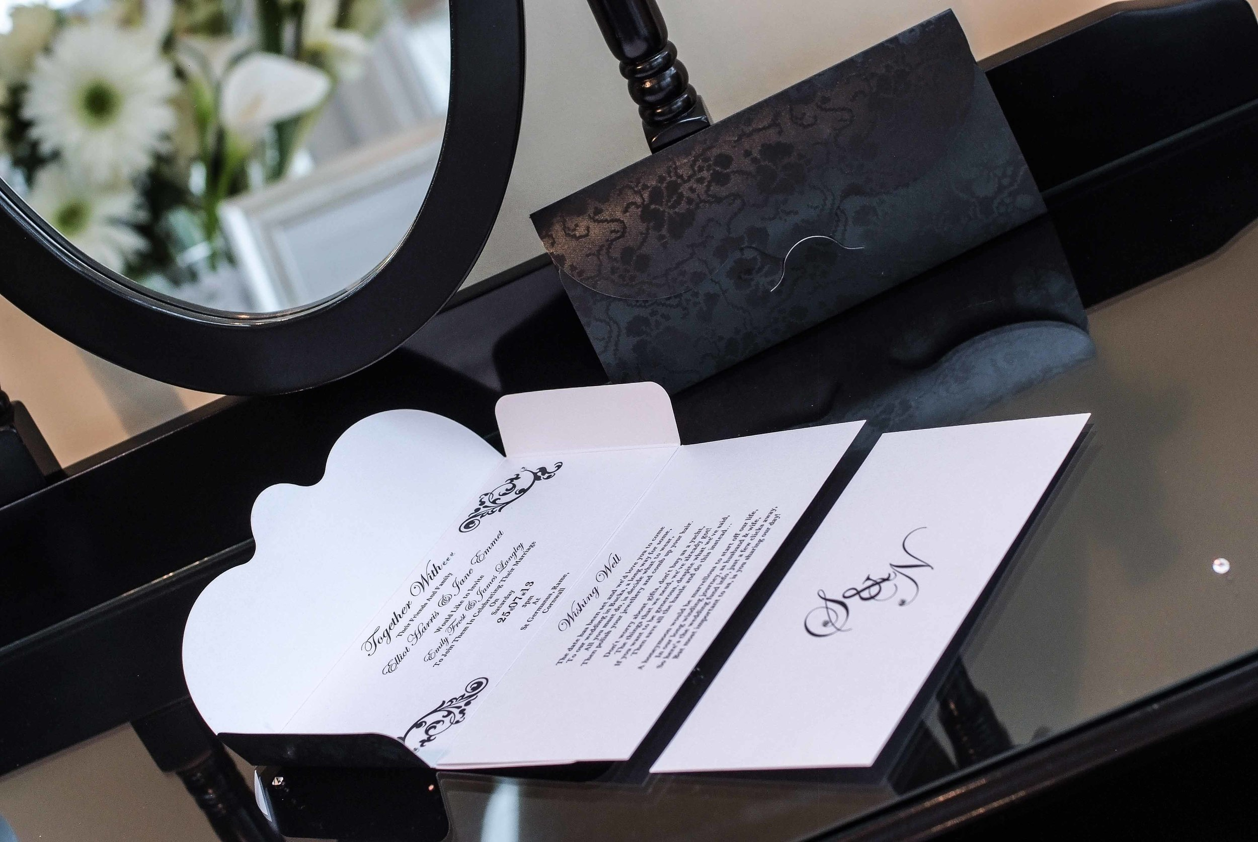 Just one of the beautiful wedding invitation and stationery ranges available at VivienB's of Oxford, Oxfordshire. The VivienB's Timeless Grace Collection.   Next Collection:  Heritage Lace