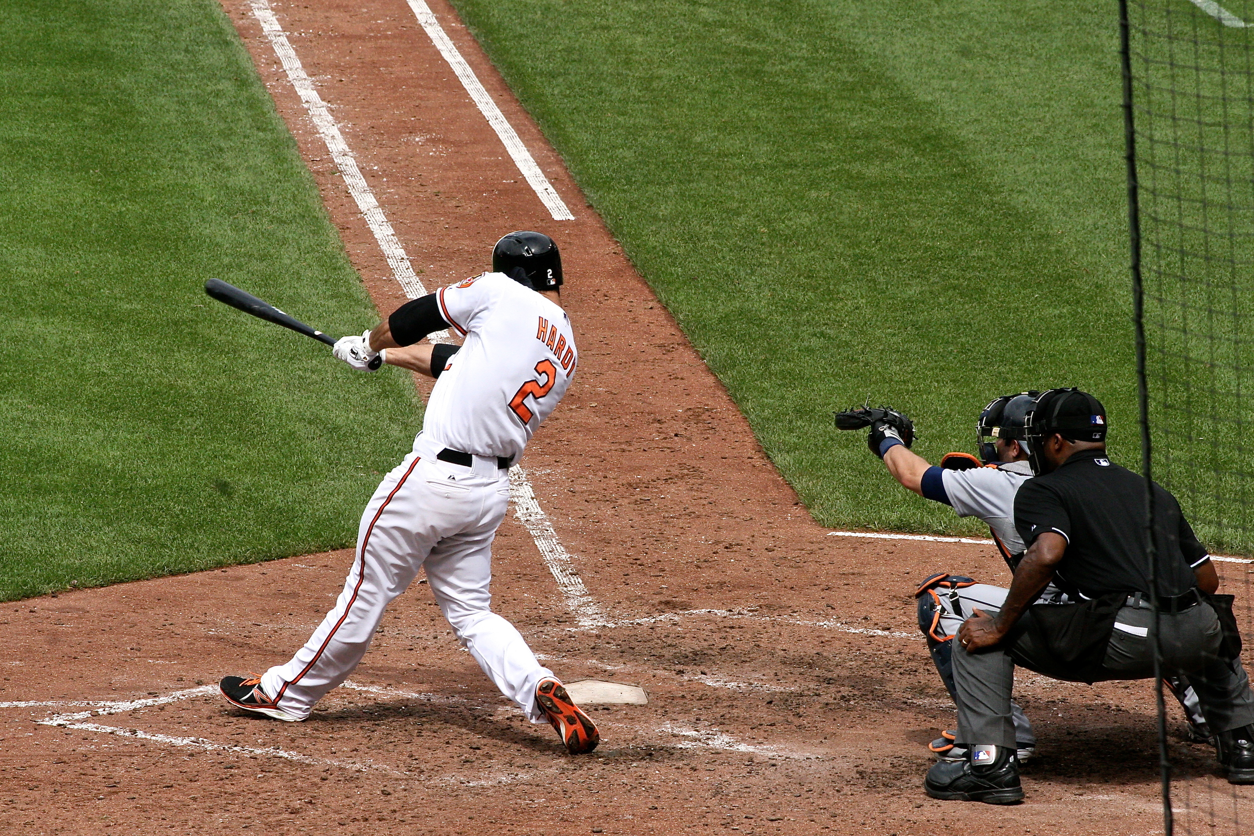 J.J. Hardy continues the O's 7th inning rally