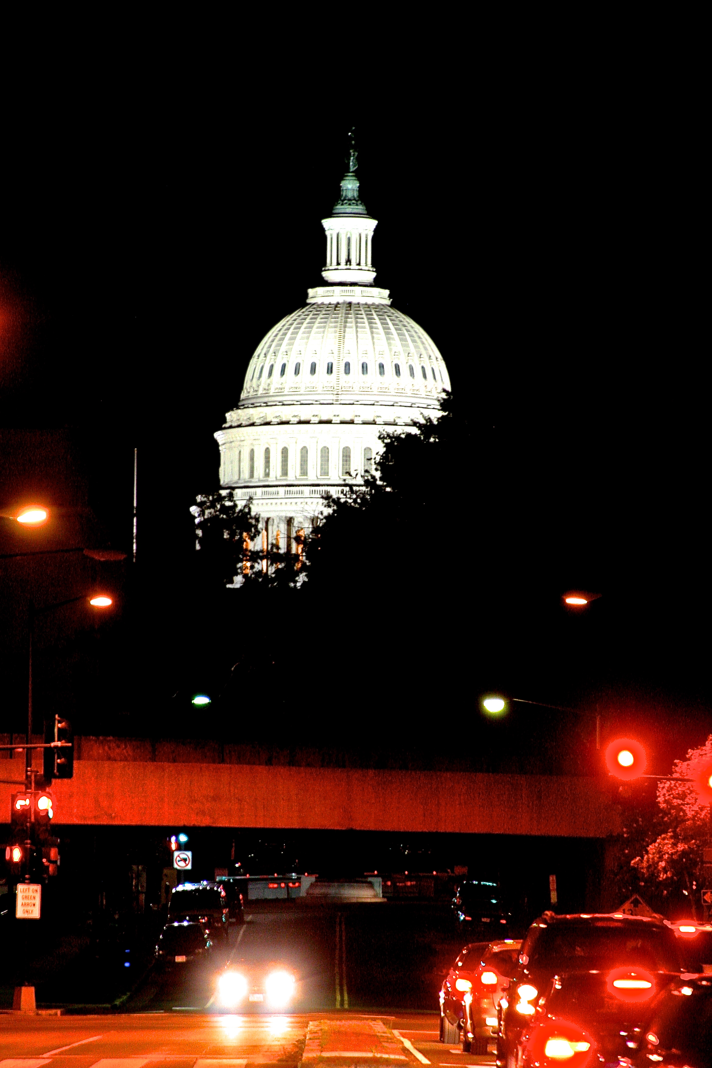 Night time for the Capitol