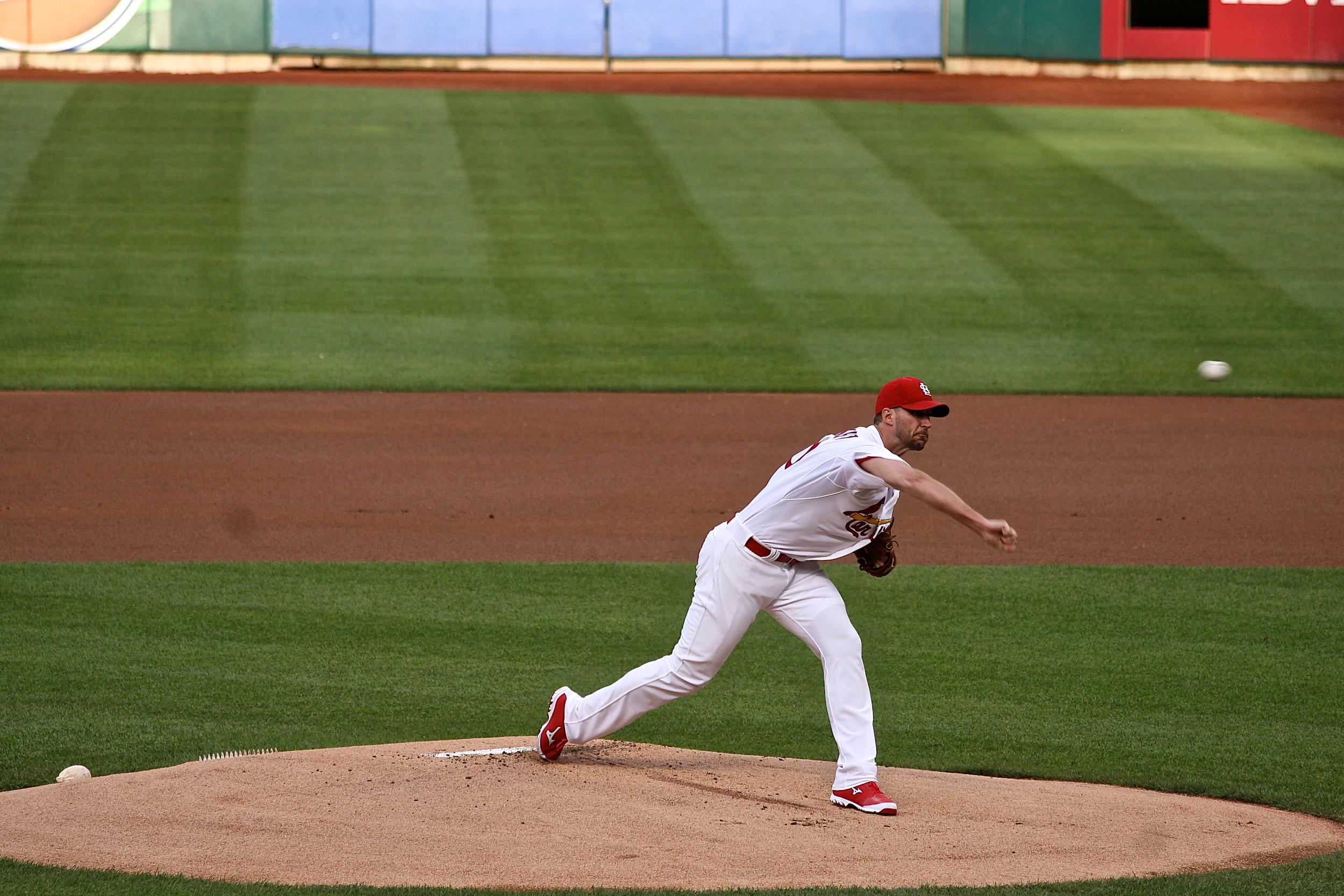 Wainwright roughed up