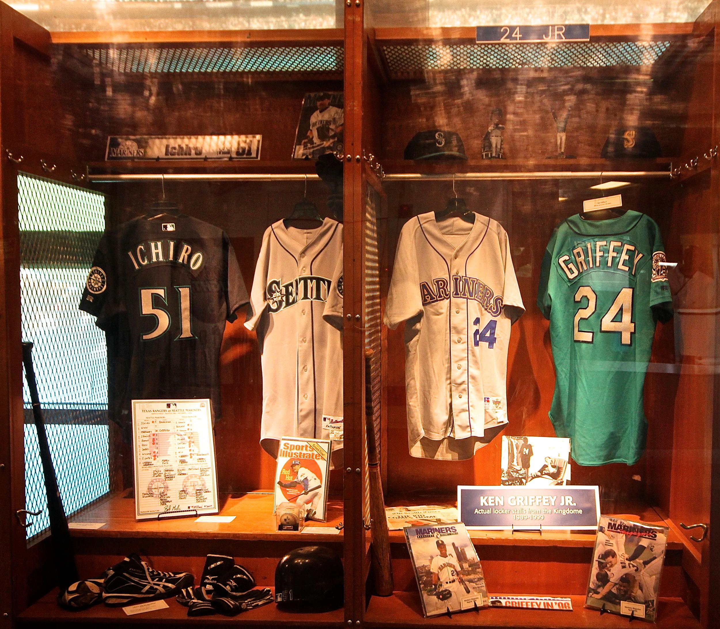 Ichiro and Griffey Jr. lockers