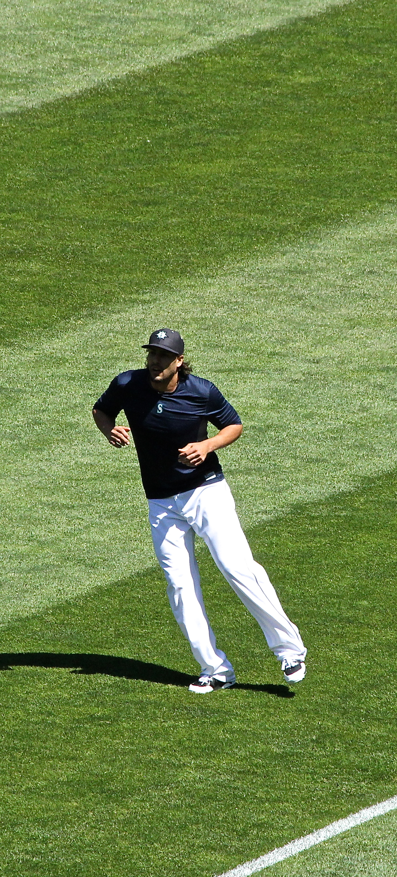 Michael Morse works out in the morning