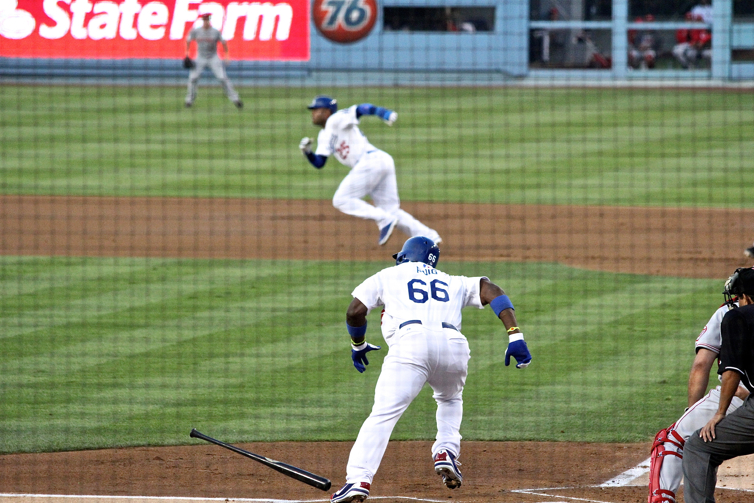 Puig hustles out of the box