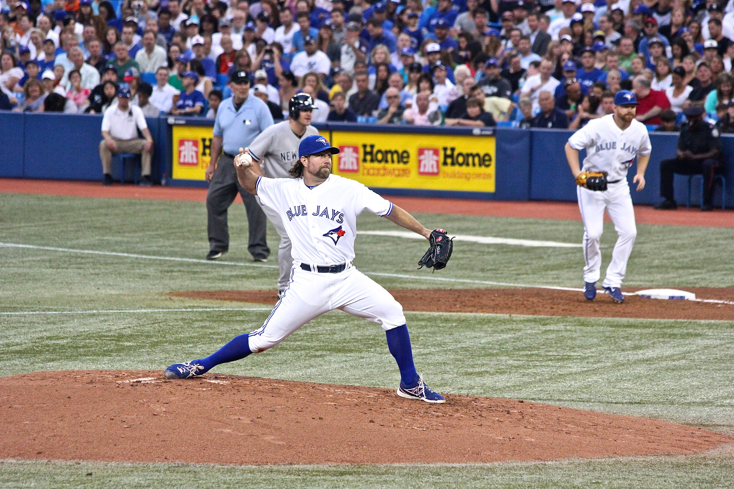 R.A. Dickey knuckles one in