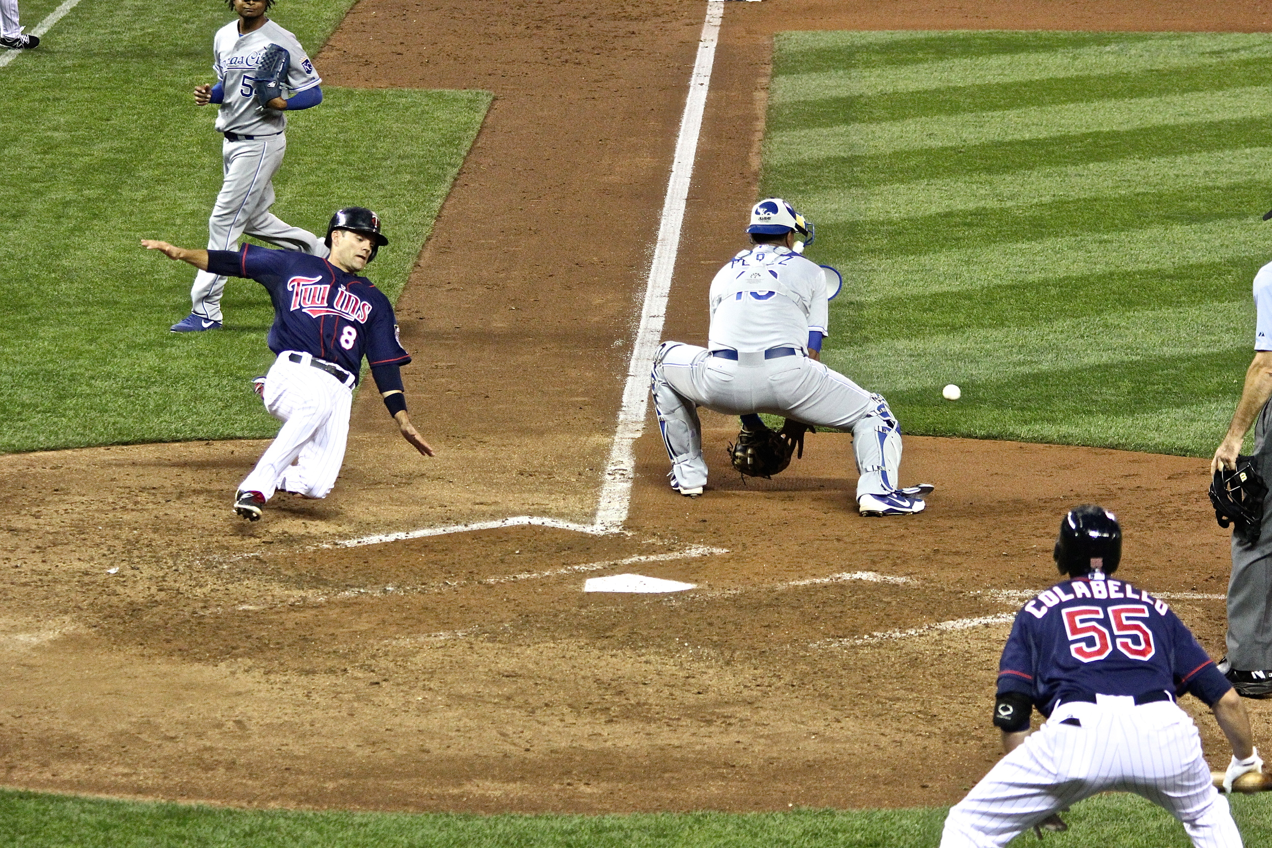 Jamey Carroll play at the plate