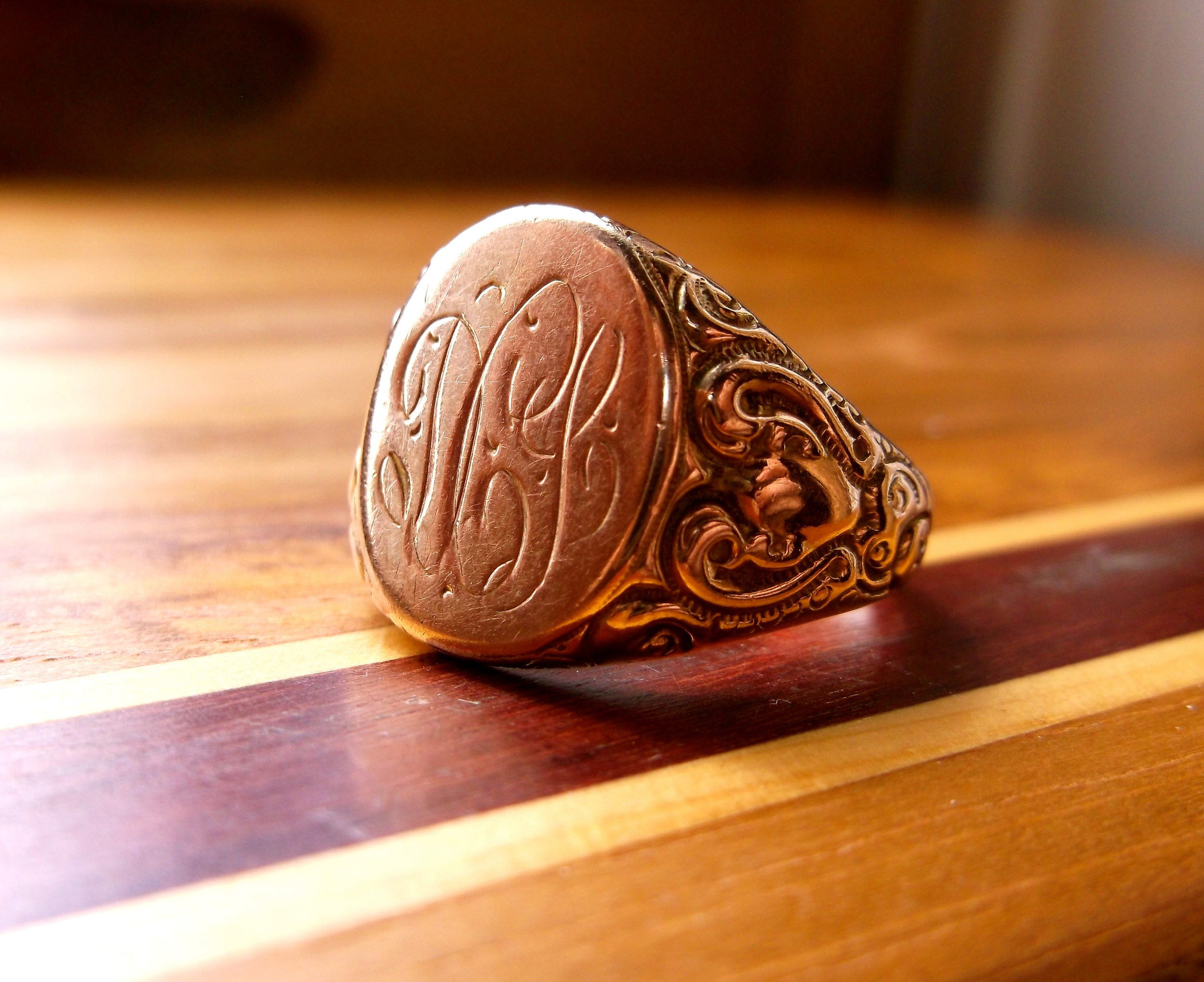 SOLD - Beautiful Victorian Era signet ring with stunning hand engraved detailing.
