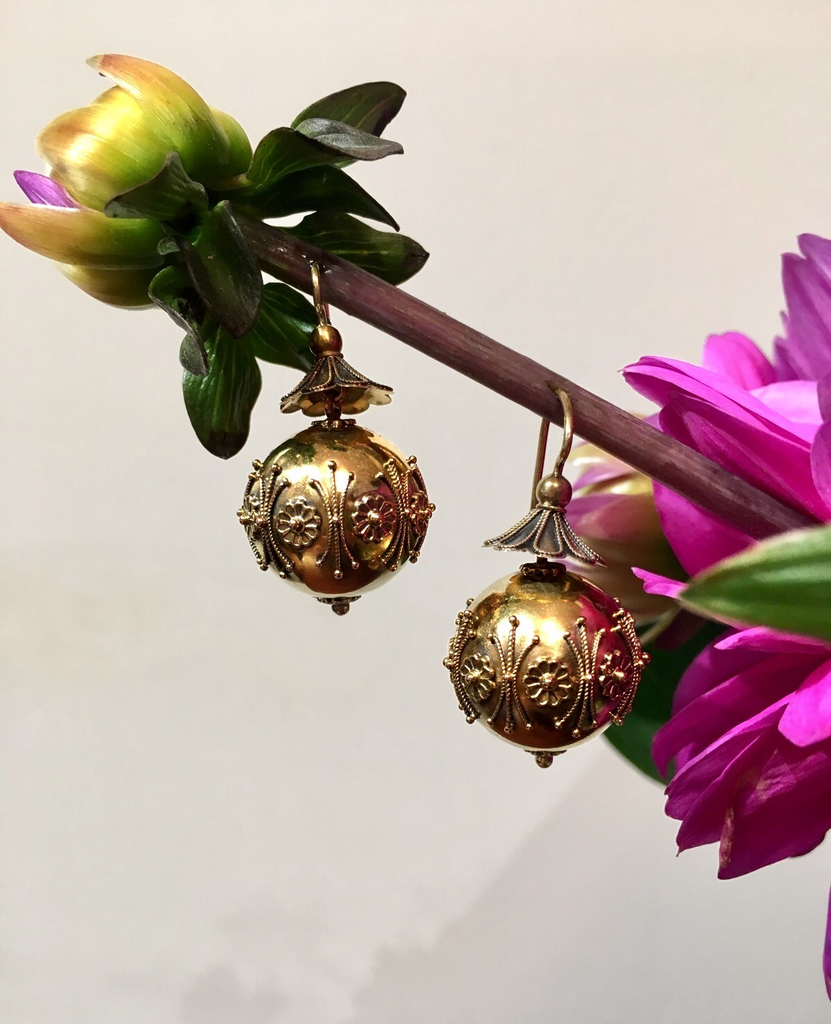 We can just imagine a Victorian era woman riding in  a coach across the country side wearing these chic Etruscan 22K yellow gold earrings.  Swoon! Shop these lovelies  HERE .