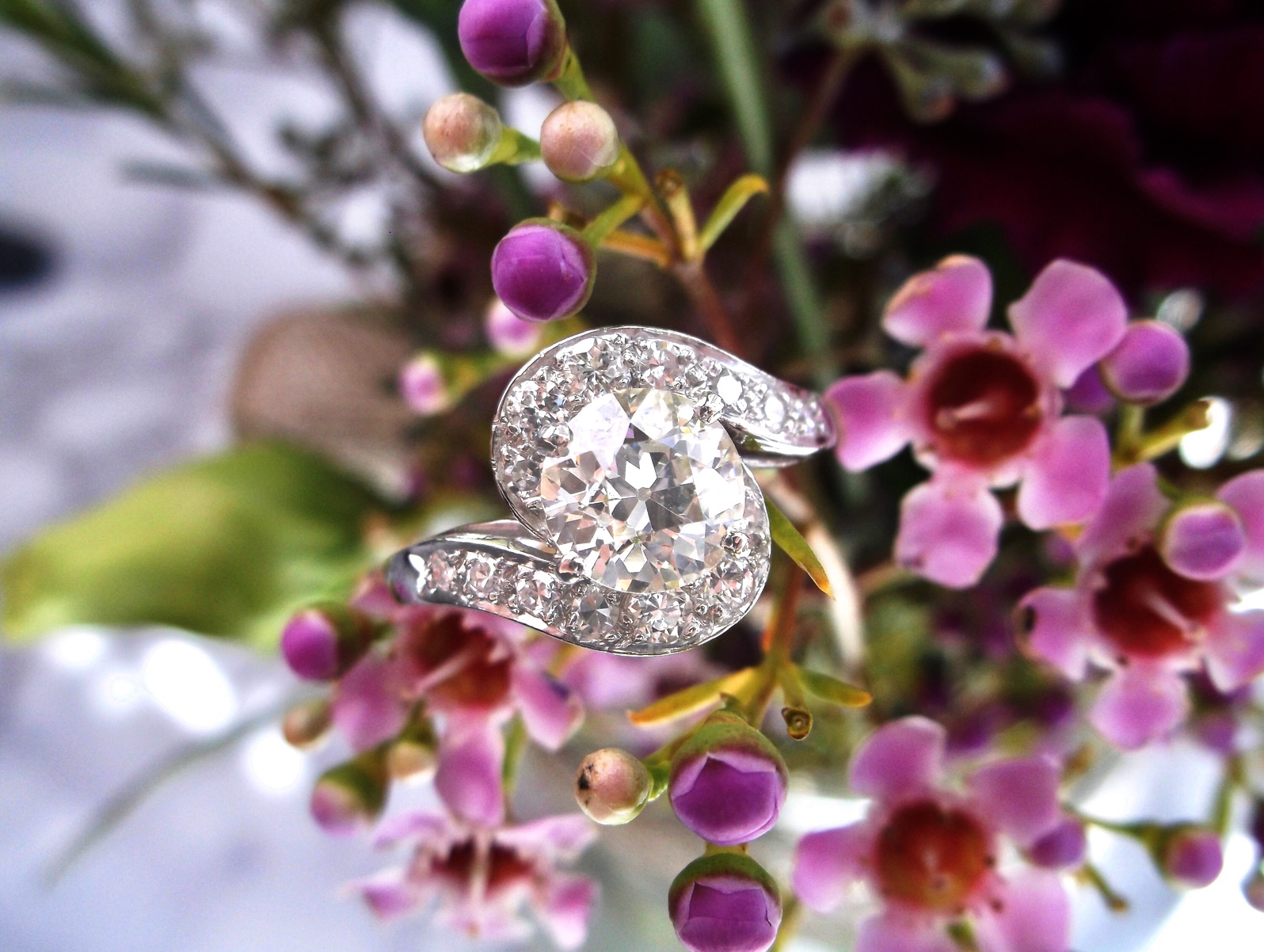 In a field of flowers, we'd definitely pick this one! Shop this 1.24 carat Old European cut diamond beauty  HERE .