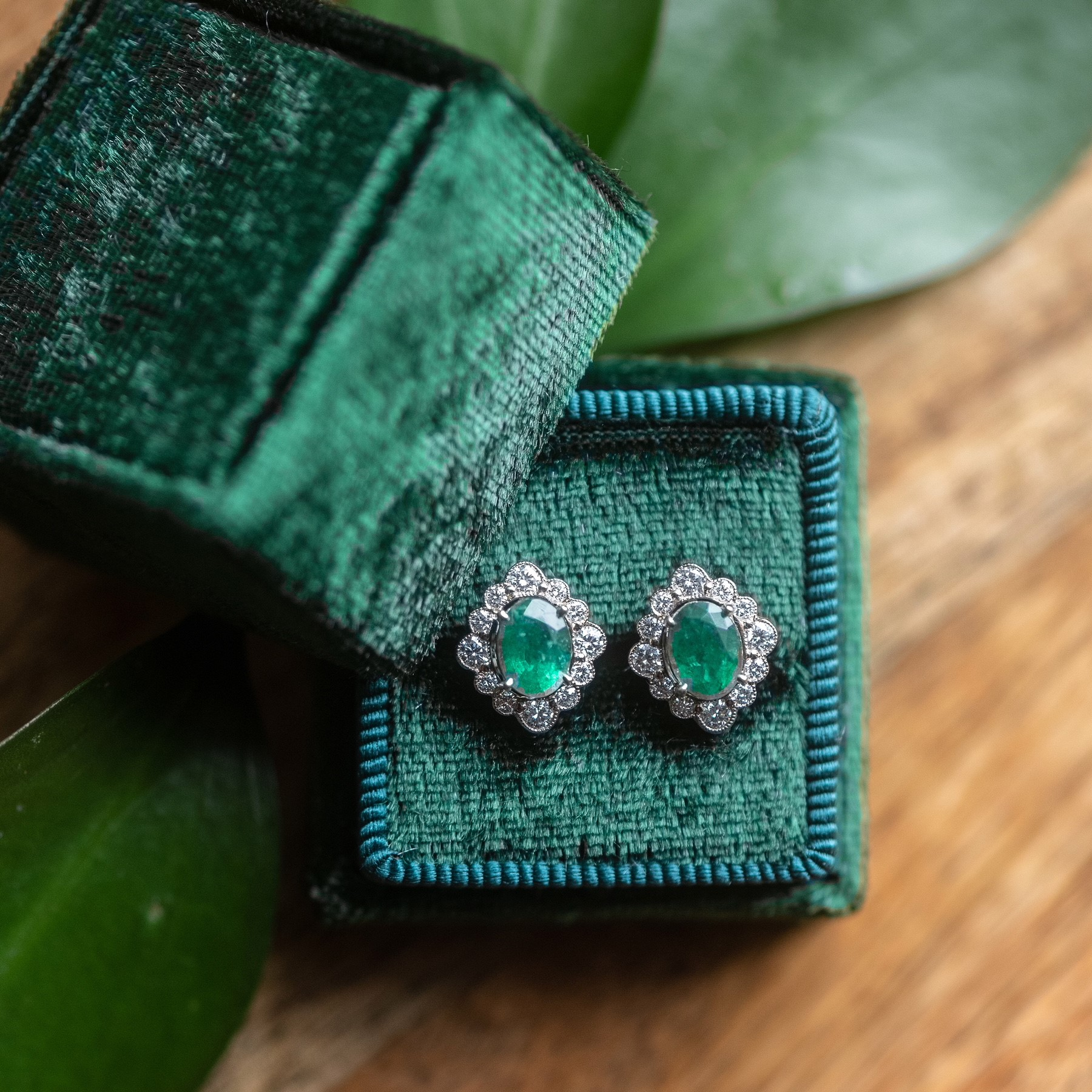 We're teeing up for a great Saturday with these emerald and diamond beauties! Shop  HERE .