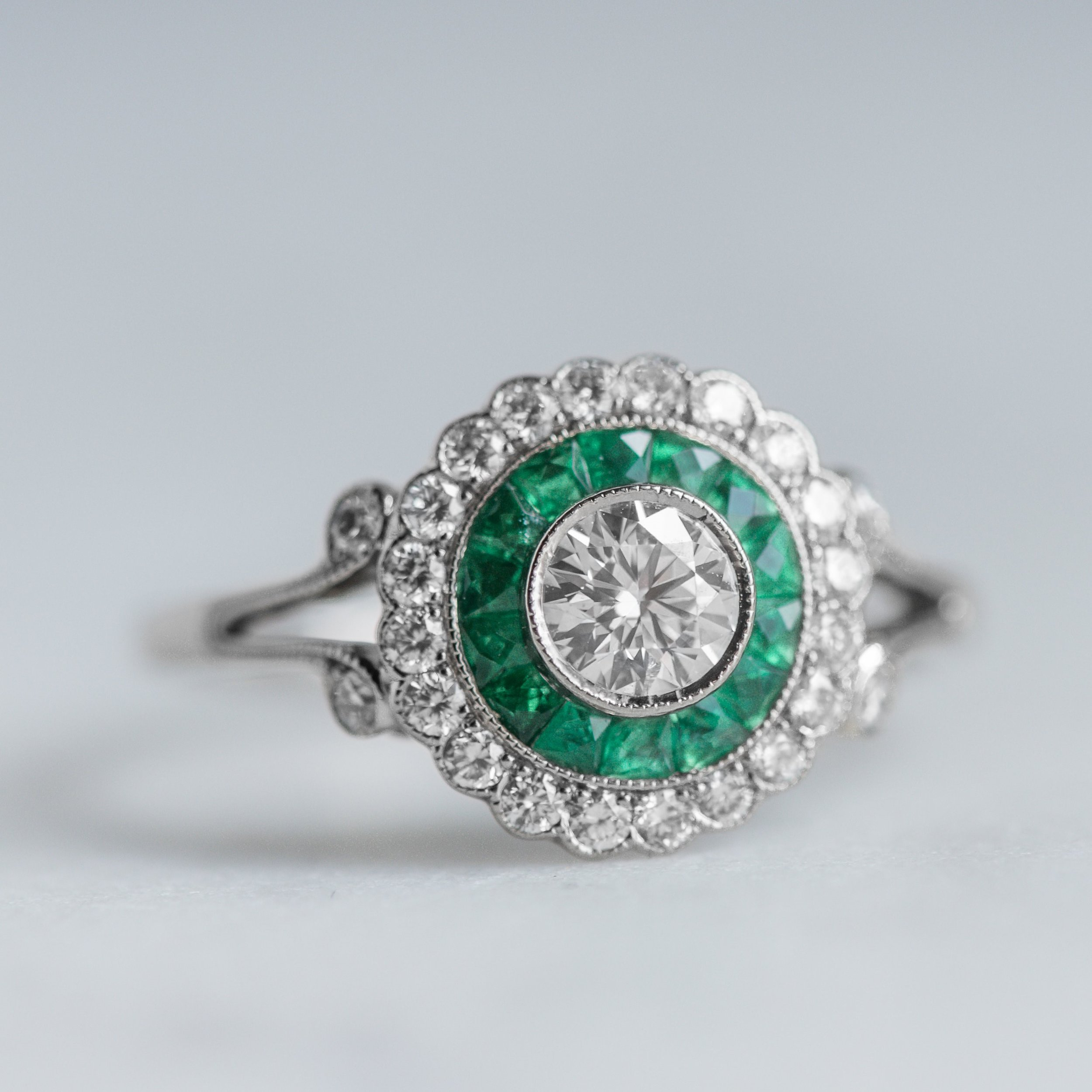 Any May babies out there who would love this fabulous emerald and diamond ring?! Shop this beauty  HERE .