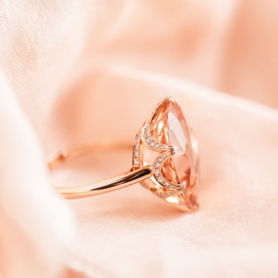 Have you made YOUR Walton's Wishlist? Make it simple for your sweetheart this Valentine's Day and create your own custom wish list...that might even include this gorgeous Morganite and Diamond ring 💕 Click  HERE  to shop!