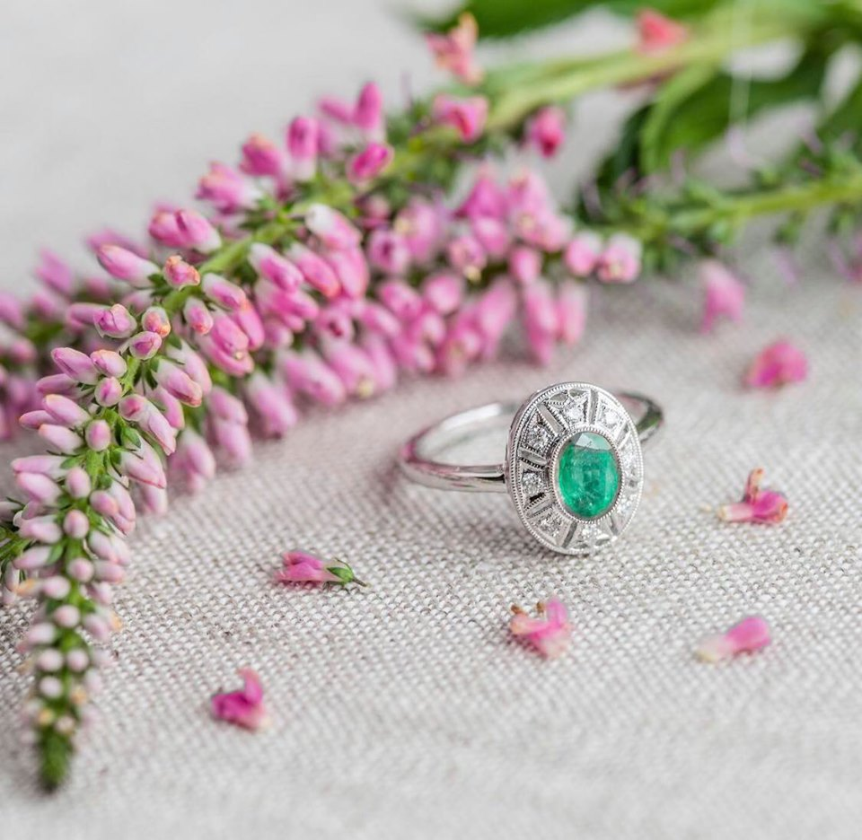 Fabulous oval cut emerald ring with just the right amount of diamond accents! Shop this ring  HERE !