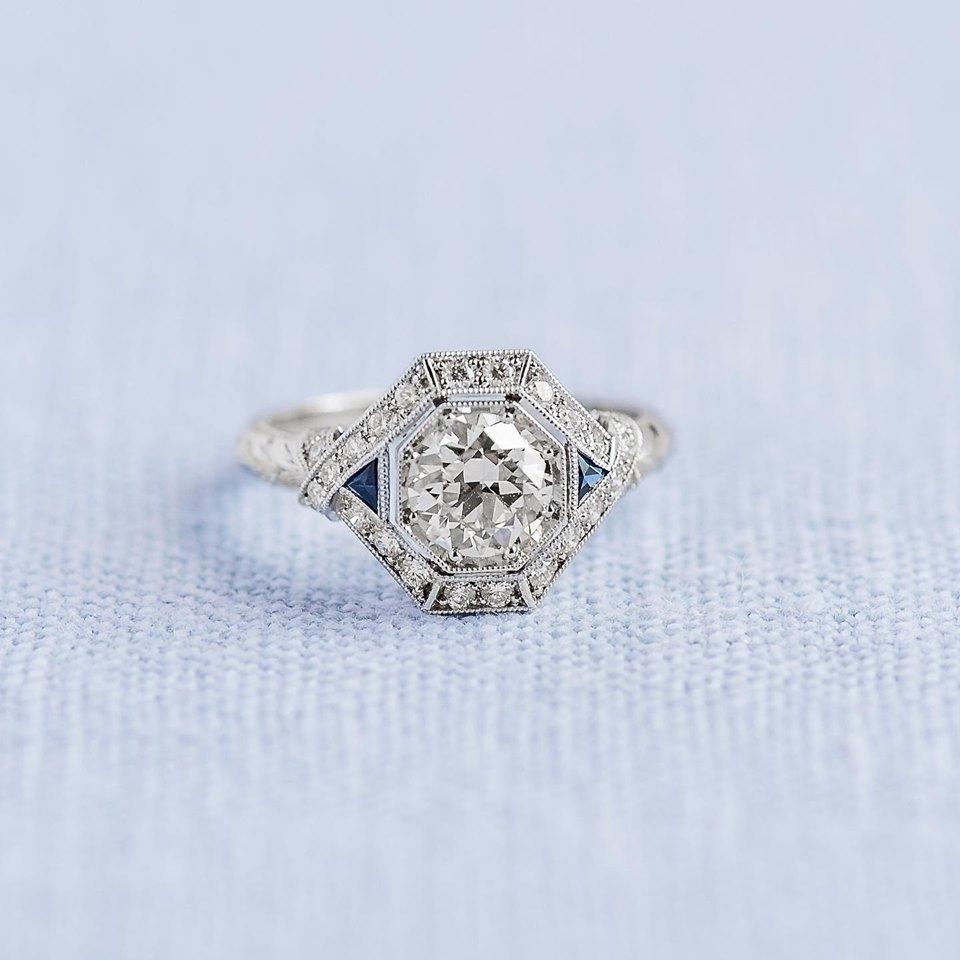 Shining, shimmering, splendid 💎 Shope this beauty  HERE !
