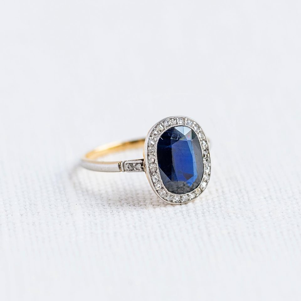 Any Sapphire lovers out there? This one's for you 😉 Shop  HERE !