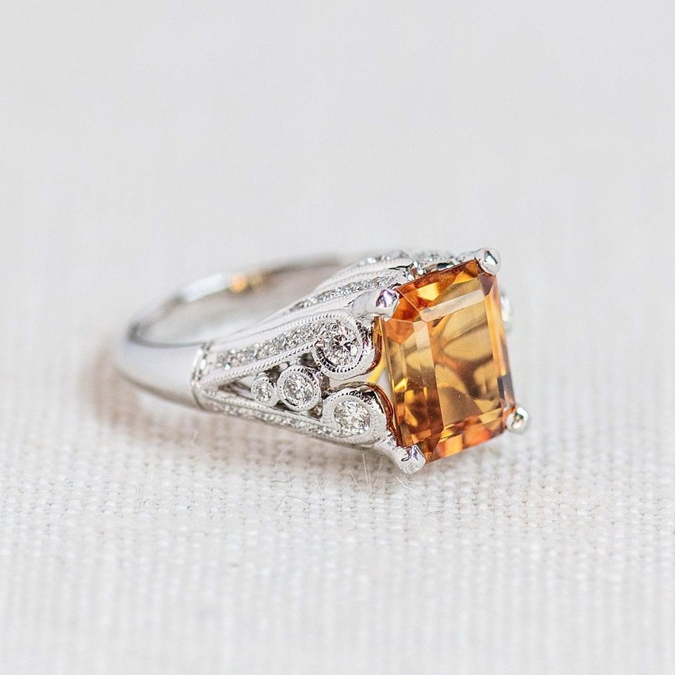 Talk about a stunner! This 2.68 carat citrine was made to be worn and loved 🧡 SHOP  HERE !