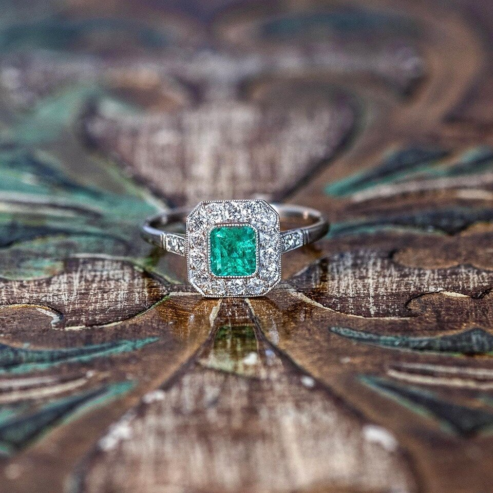 If you have been looking for the perfect Emerald ring....we found it for ya 😉 SHOP  HERE !
