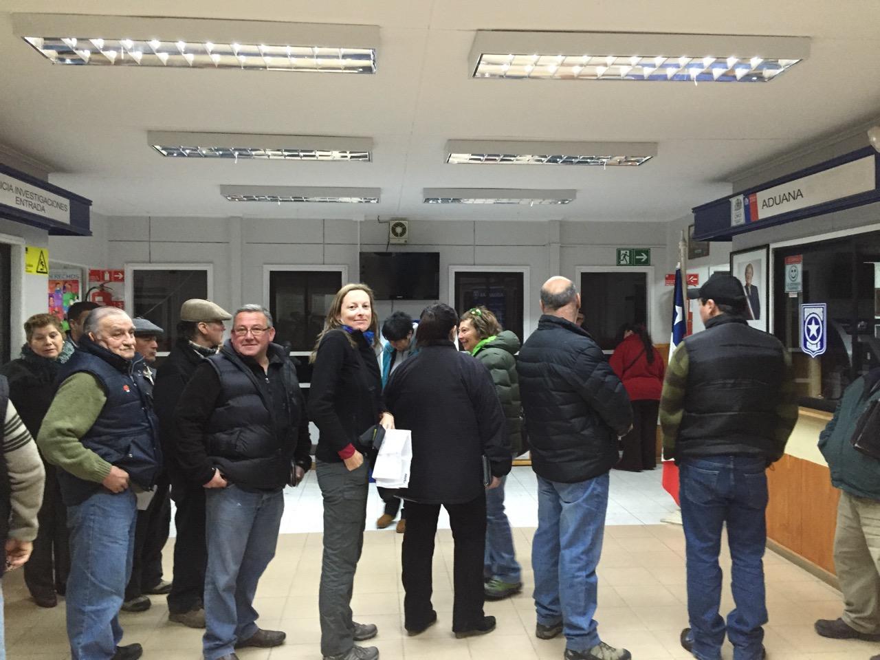 julie_queuing_at_argentina_chile_border.jpg