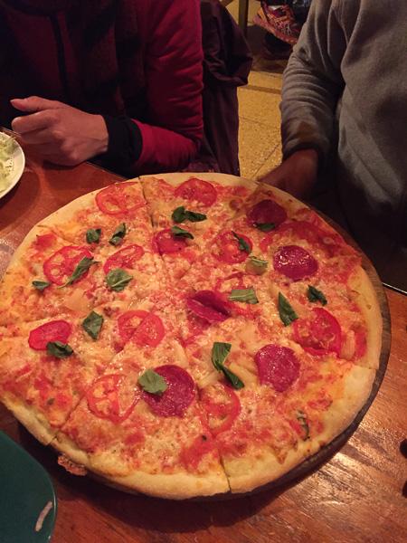 minute_man_pizza_uyuni_bolivia_1.jpg