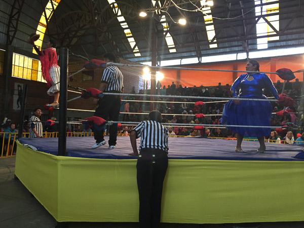 cholita_wrestling_la_paz_1.jpg