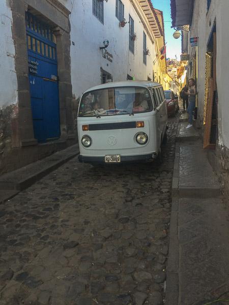 cusco_narrow_street_volkswagen_kombi.jpg