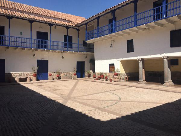 courtyard_cusco.jpg