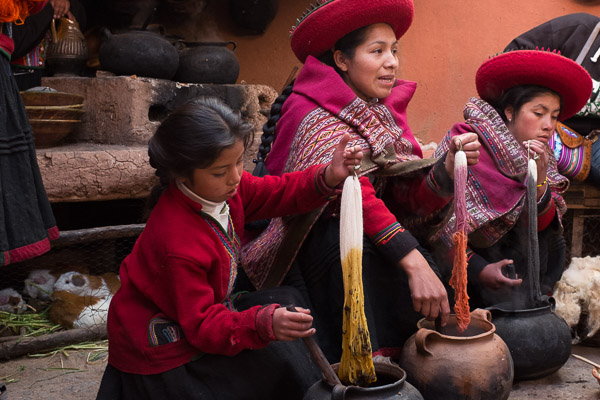 weaving_centre_chinchero_sacred_valley_peru_2.jpg