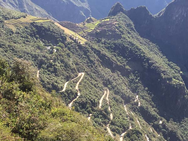 machu_picchu_winding_road.jpg
