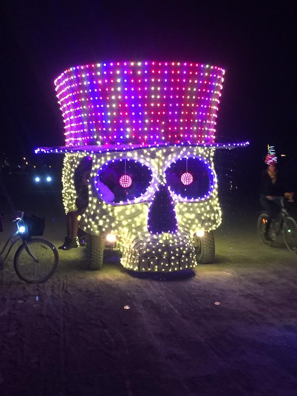 skull_mutant_vehicle_lit_up_burning_man.jpg
