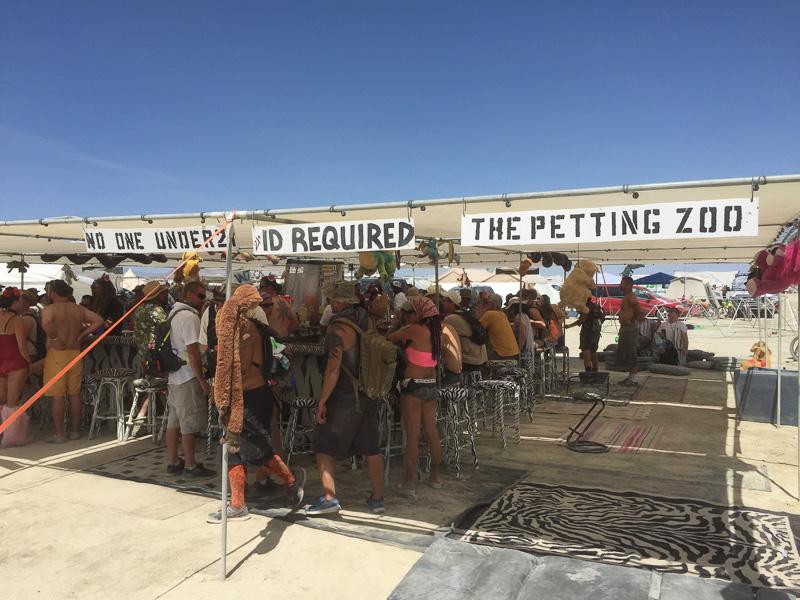 the_petting_zoo_bar_burning_man