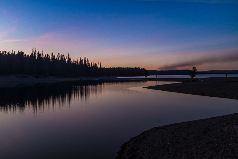 sunset_lake_yellowstone_national_park.jpg