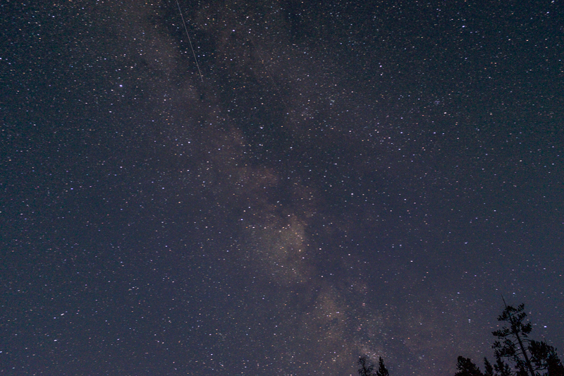 starry_night_yellowstone_national_park.jpg