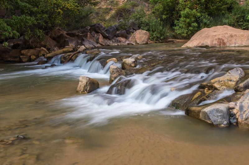 virgin_river_the_narrows_zion_national_park_utah.jpg