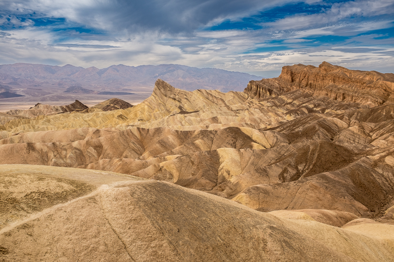 death_valley_landscape_death_valley_national_park.jpg
