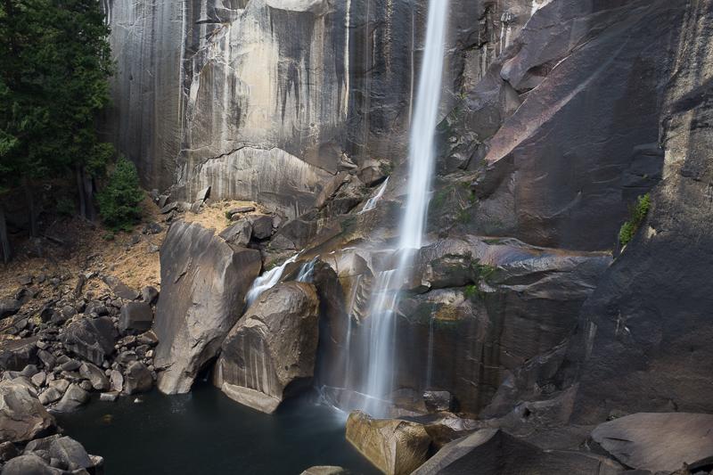 waterfall_yosemite_national_park.jpg