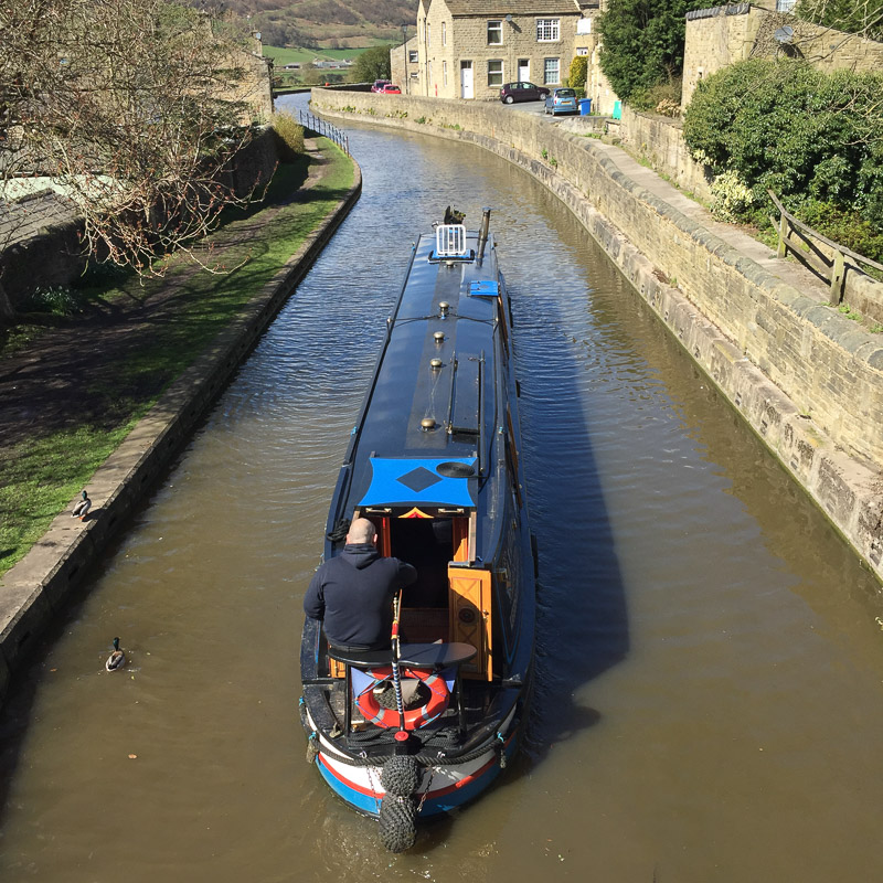Leeds_and_Liverpool_Canal.jpg