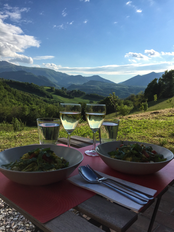 dinner_with_a_view_housesit_italy_marche_2.jpg