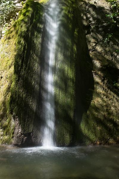 waterfall_hike_marche_italy.jpg