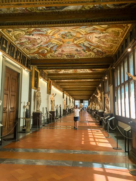 inside_uffizi_gallery.jpg