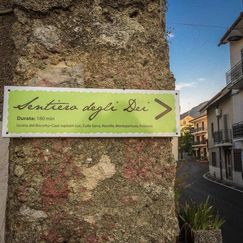 path_of_the_gods_sign_amalfi_coast_1.jpg