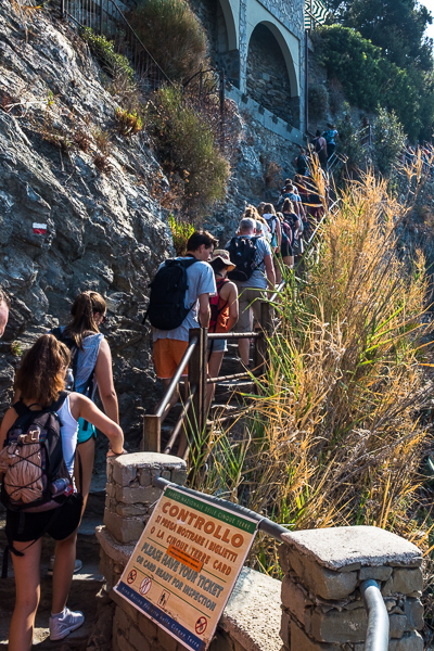 hiking_the_cinque_terre_italy.jpg