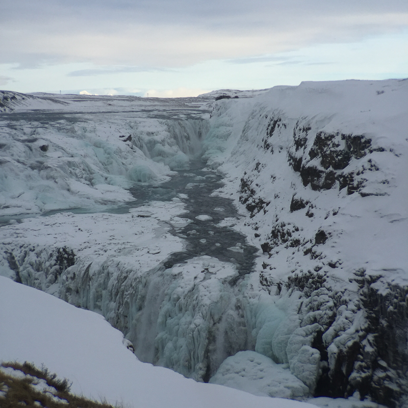 waterfall_landscape_iceland.jpg