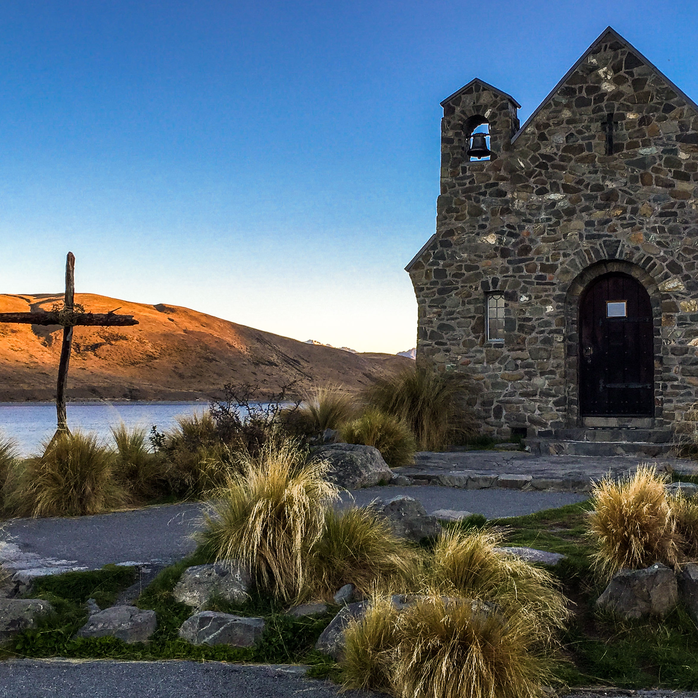 church_of_the_good_shepherd_lake_tekapo_new_zelaland.jpg