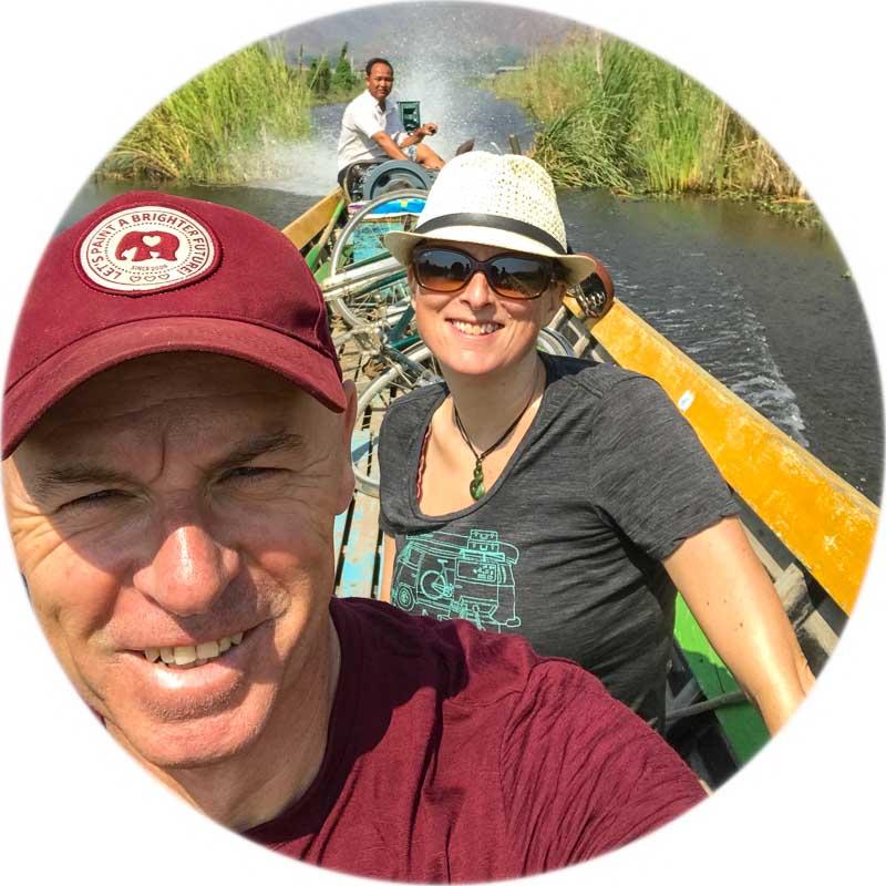 julie_and_steve_on_inle_lake.jpg